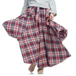 Dresses & Skirts - Last one! Plaid Pleated Gore Skirt
